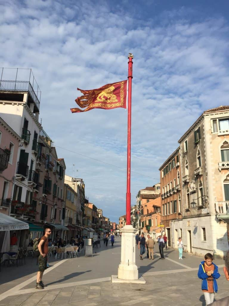 Venice biennale art tours for Artisti biennale venezia